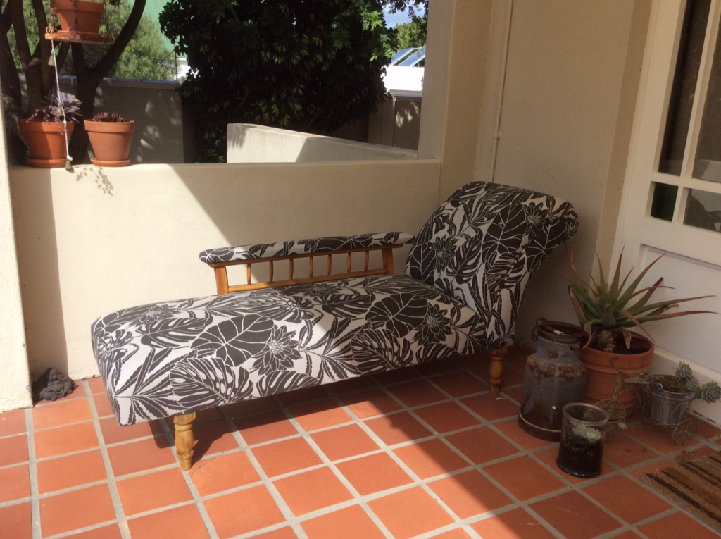 Home Leaf day bed